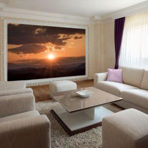 salon z tapetą z górami