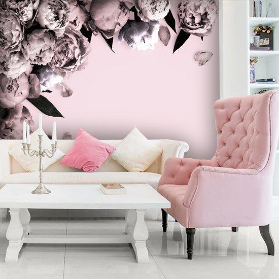 Foto Tapeta Do Modnego Salonu Z Różowymi Kwiatami I Tłem