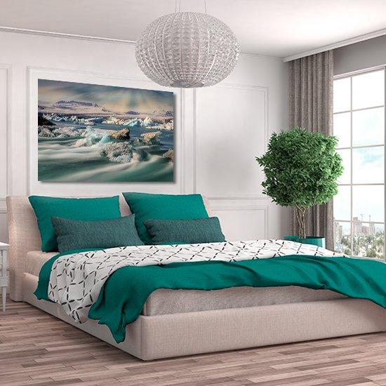 obraz z krami do sypialni