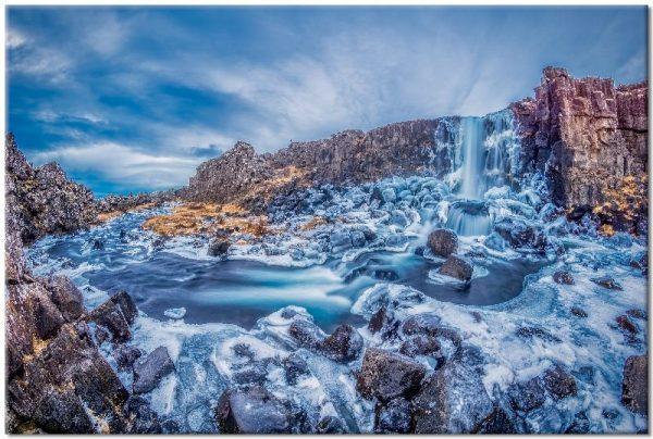 obraz z wodospadem niebieskim