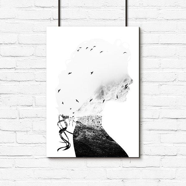 Czarno Biały Plakat Z Kobietą I Ptakami Nad Morzem