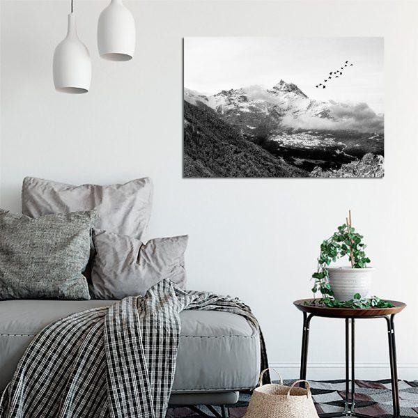 górski krajobraz na plakacie