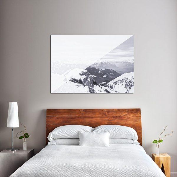 sypialnia z motywem ośnieżonych gór