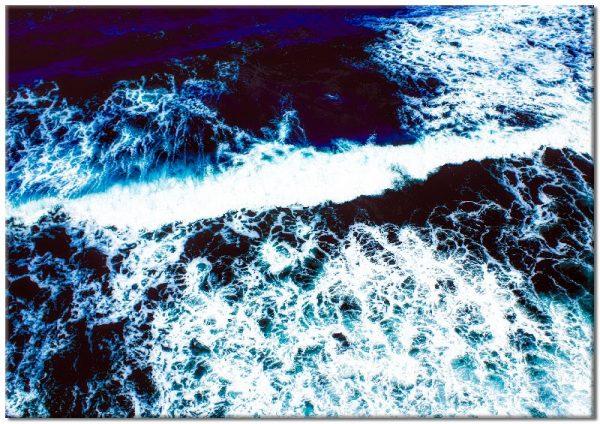 morskie fale na obrazie poziomym