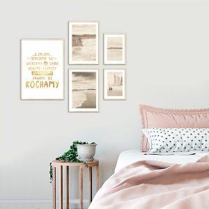 zestaw złotych plakatów w tym domu
