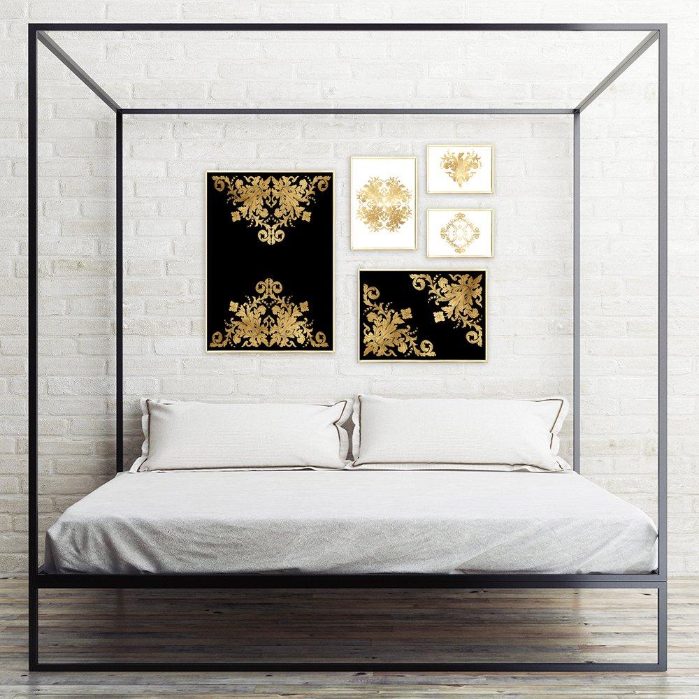 Galeria Plakatów Metalicznych Ze Złotymi Ornamentami