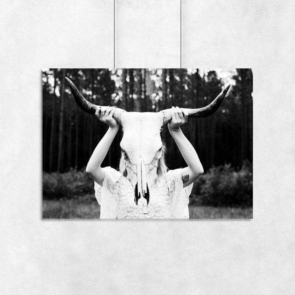 Plakat kobieta z czaszką