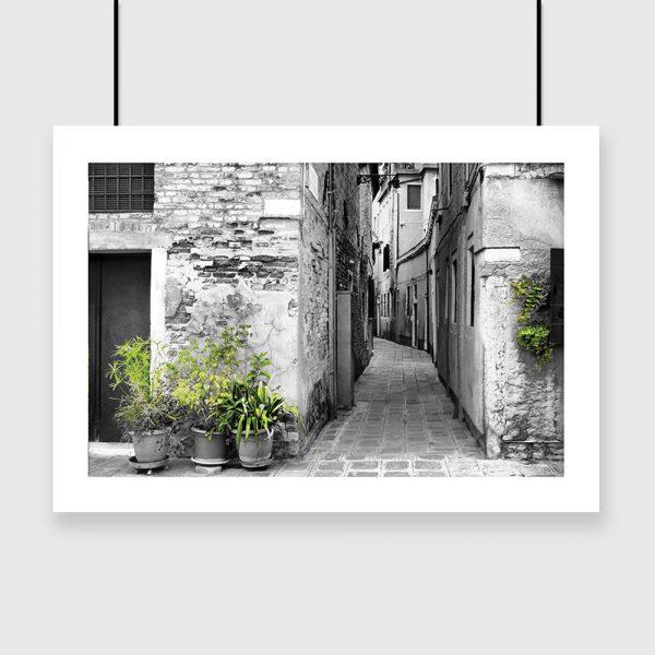 plakat z wąską uliczką we Włoszech