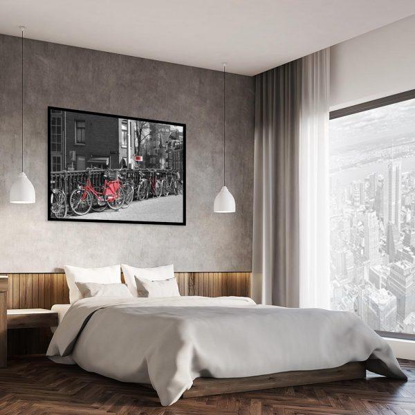 plakat z czerwonymi rowerami nad łóżko