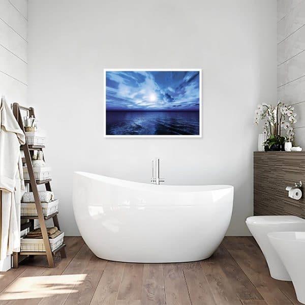 plakat z widokiem na morze w łazience