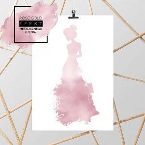 plakat z kobietą w długiej sukni