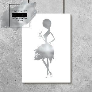 plakat srebrny z kobietą z drinkiem