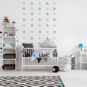 naklejka z motywem gwiazd na ścianę pokoju dziecka