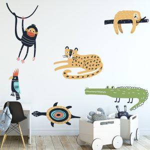 naklejka przedstawiająca kolorowe zwierzęta do pokoju dziecka