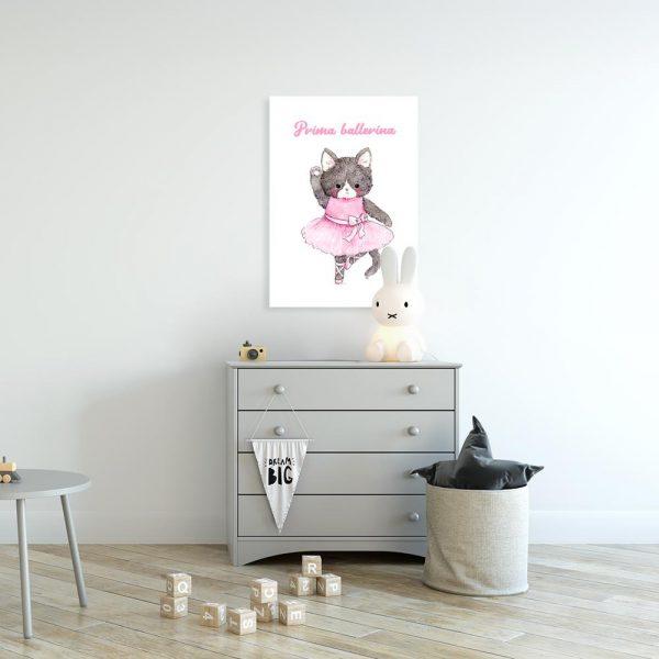 obraz z kotkiem w sukience do pokoju dziecka