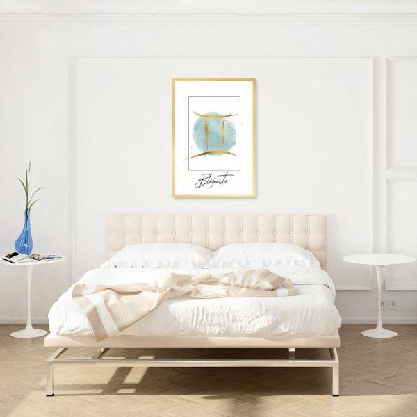 sypialnia z plakatem bliźniąt