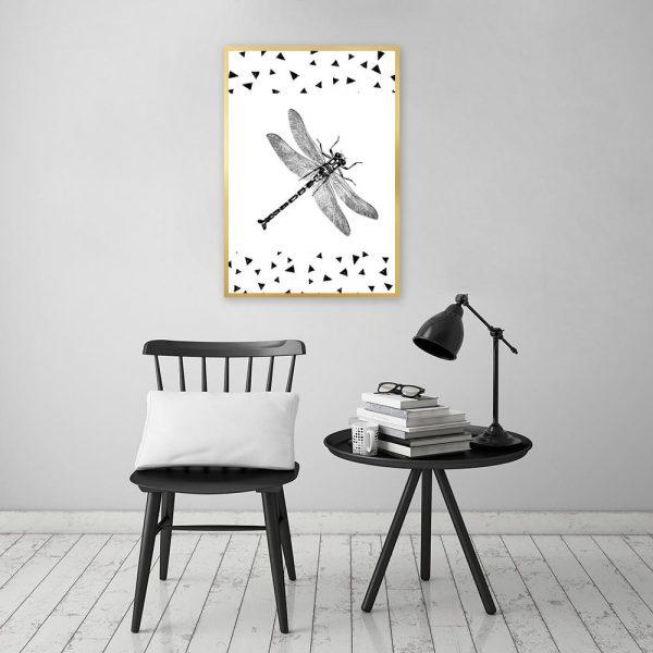 biało-czarna dekoracja z ważką