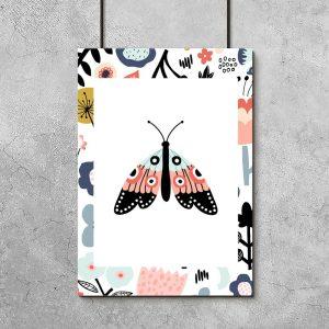 plakat ze wzorami i motylem