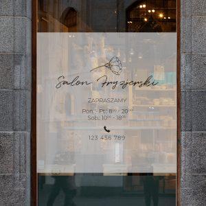 folia na okno salonu fryzjerskiego z godzinami otwarcia