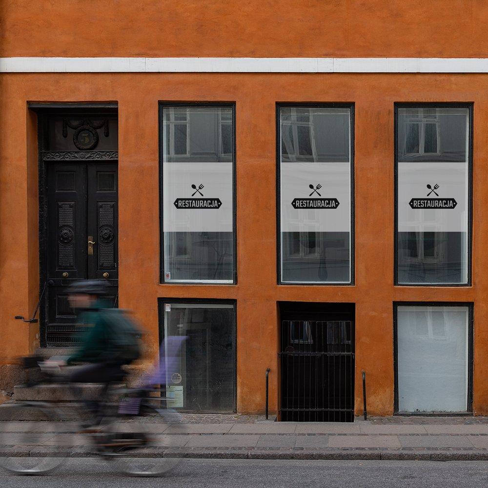okleina okienna do restauracji z logo